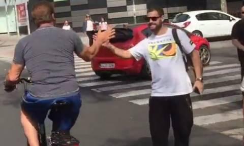 Ο Άρνολντ Σβαρτσενέγκερ βγήκε με το ποδήλατό του στη Μαδρίτη (video)