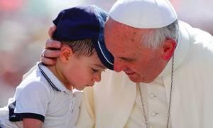 «Ο πάπας είναι καλά στην υγεία του»