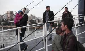 Πειραιάς: Αφίχθησαν δύο πλοία με 3.857 μετανάστες
