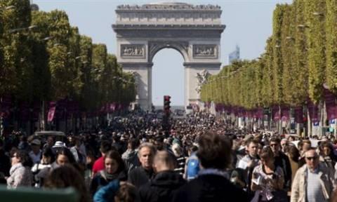Πεζοί και ποδηλάτες «κατέλαβαν» το Παρίσι