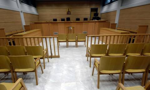 Απίστευτη δικαστική περιπέτεια για την επιμέλεια ανήλικου παιδιού