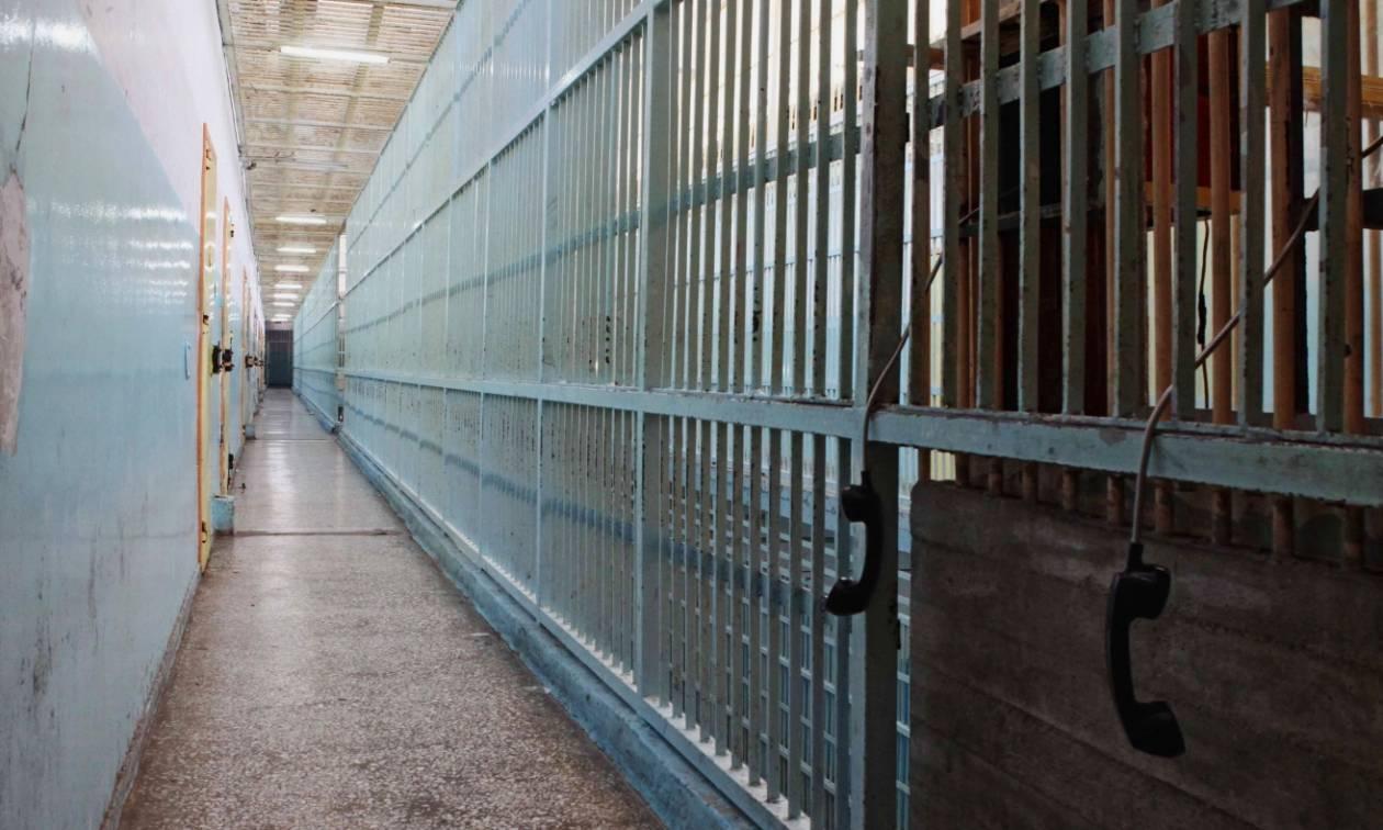 Κέρκυρα: Τη Δευτέρα και την Τρίτη απολογούνται οι 13 συλληφθέντες για την υπόθεση σωματεμπορίας