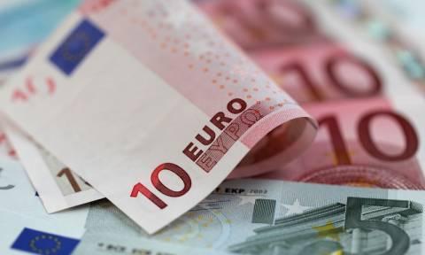 Η κυβέρνηση θεωρεί πλούσιους τους μισθωτούς των 1.500 ευρώ