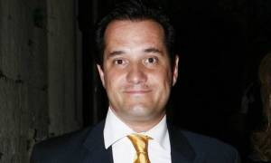 Τσίρκο η ΝΔ – Κατεβαίνει υποψήφιος και ο Άδωνις