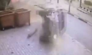 Αυτό θα πει τύχη: Δείτε πώς γλίτωσε από δολοφονικό τροχαίο! (video)