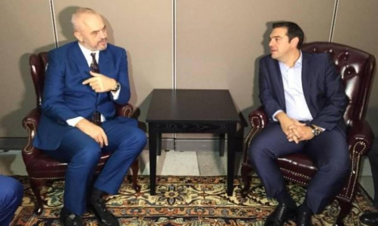 Οι διμερείς σχέσεις Ελλάδας και Αλβανίας στο επίκεντρο της συνάντησης Τσίπρα - Ράμα