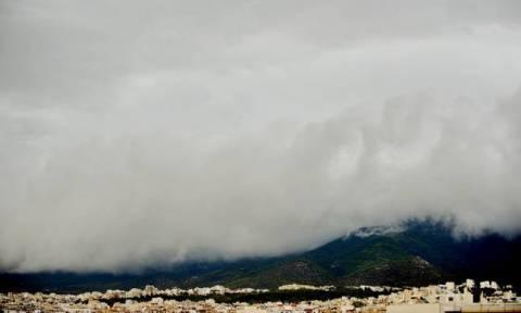 Με βροχές και καταιγίδες ο καιρός της Τρίτης - Πού θα χτυπήσει η κακοκαιρία (pics)