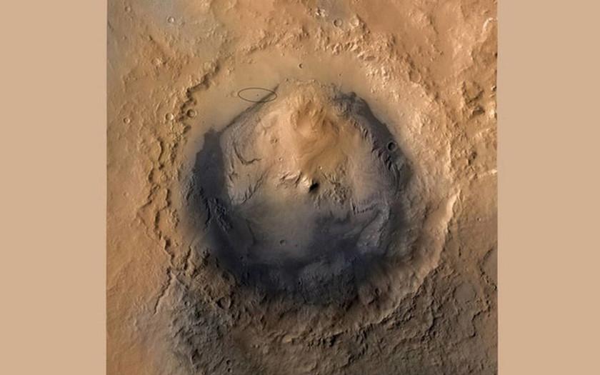 NASA: Σοκ και δέος για την ανακάλυψη νερού στον πλανήτη Άρη (pics+vid)