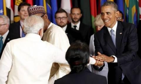 Ομπάμα και Ζαρίφ αντάλλαξαν μη προγραμματισμένηχειραψία