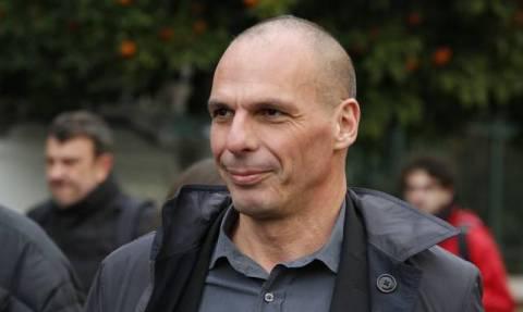 Χαρακτήρισε τον Βαρουφάκη με τη... διασημότερη ελληνική λέξη! Πώς αντέδρασε ο πρώην υπουργός (vid)