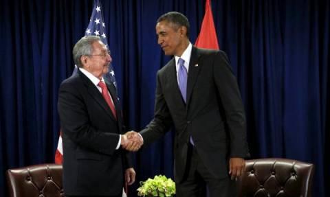 ΗΠΑ: Θερμή χειραψία Κάστρο - Ομπάμα