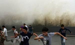 Παλιρροιακός… τρόμος στην Κίνα: Τους «κατάπιε» πελώριο κύμα! (video)
