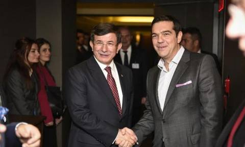 Greek, Turkish prime ministers meet in NY, agree to expand collaboration on refugees issue