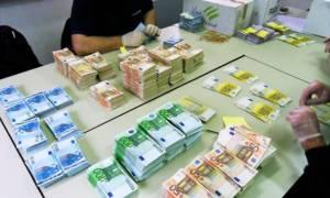Συνάλλαγμα: Το ευρώ υποχωρεί κατά 0,21% στα 1,1228 δολάρια