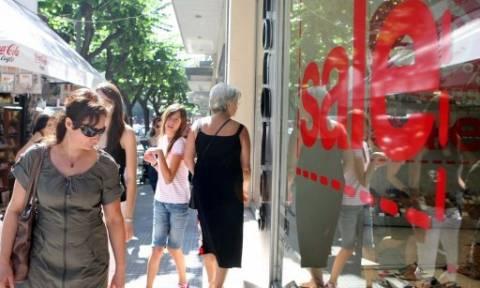 «Αποχή» των Ελλήνων από τις πάσης φύσεως αγορές σε όλο το λιανεμπόριο