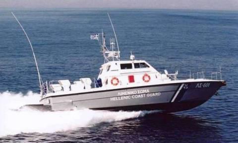 Κύθνος: Συναγερμός για ακυβέρνητο πλοίο