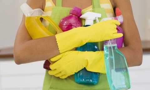 Πώς οικιακή βοηθός έγινε… πλουσιότερη κατά 18.000 ευρώ