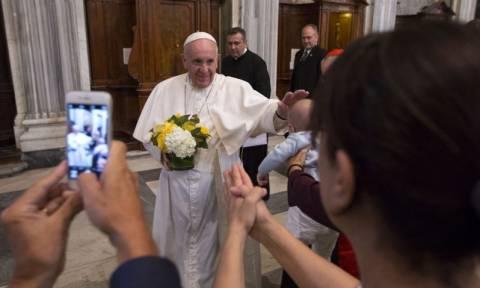 Πάπας Φραγκίσκος: Να λάβουμε υπόψη μας τις αιτίες των μεταναστευτικών ρευμάτων