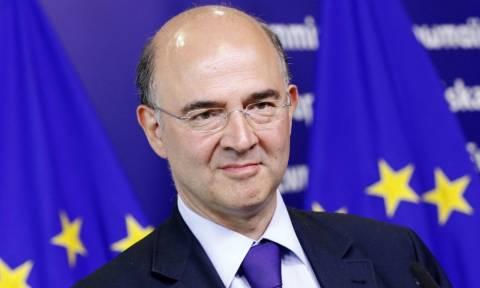 Μοσκοβισί: Κανείς στο Eurogroup δεν επιθυμεί διαγραφή του ελληνικού χρέους