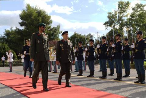 Στον Α/ΓΕΣ o Διοικητής των Χερσαίων Δυνάμεων των «ΗΑΕ» (pics)