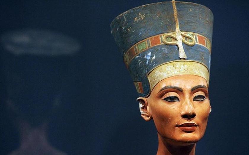Νεφερτίτη: Έρευνες για τον τάφο της διασημότερης βασίλισσας της αρχαίας Αιγύπτου (photos)