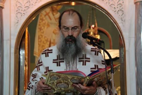 Παρατείνεται το προσκύνημα των Ιερών Λειψάνων στο Βύρωνα (pics)