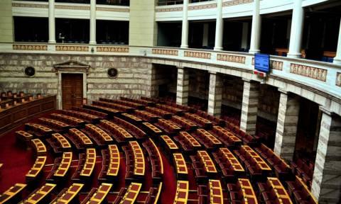 Η νέα Βουλή σε αριθμούς - Πώς θα καθίσουν τα κόμματα
