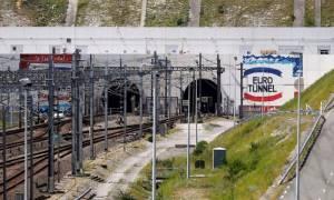 Γαλλία: Διεκόπη η κυκλοφορία στη σήραγγα της Μάγχης