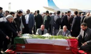 Στην Τεχεράνη οι πρώτες σοροί των Ιρανών που σκοτώθηκαν στο αιματοβαμμένο προσκύνημα της Μέκκα