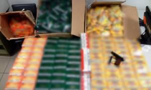 Λάρισα: Σύλληψη 22χρονου για παράνομη οπλοκατοχή και λαθραίο καπνό