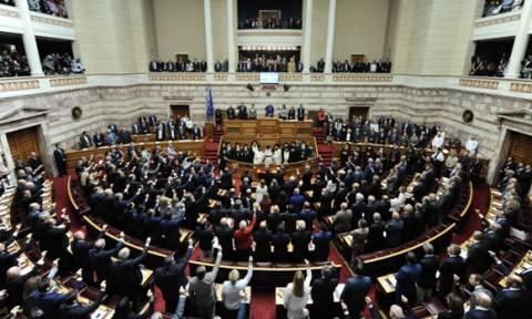Βουλή: Ποιοι είναι οι 300 βουλευτές