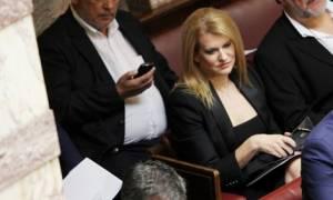 Ορκωμοσία: Ποιες κυρίες …τράβηξαν τα βλέμματα στη Βουλή (pics)