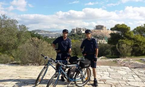 Ξεκίνησαν οι περιπολίες αστυνομικών με ποδήλατα σε Αθήνα και Θεσσαλονίκη (pics)