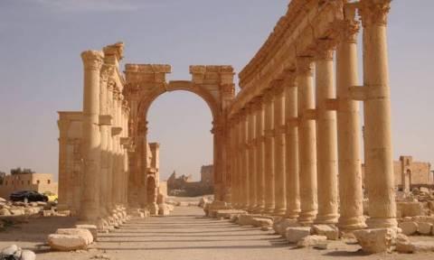 Συρία: To Ισλαμικό Κράτος ανατίναξε την αρχαία Αψίδα Θριάμβου στην Παλμύρα (pics)