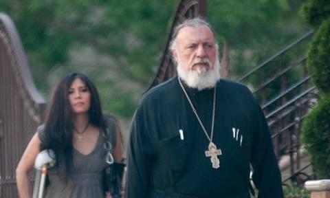 «Τέκνο μου έλα να κάνουμε ένα sex tape» - Ροζ σκάνδαλο με Έλληνα ορθόδοξο ιερέα