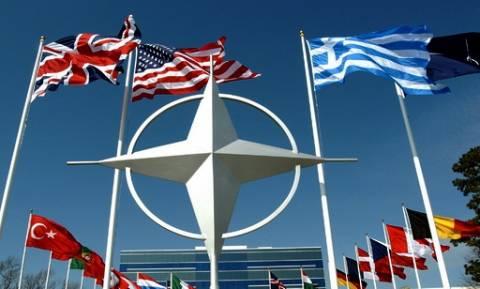 ΝΑΤΟ: Εκτακτη σύνοδος για τις ρωσικές αεροπορικές επιδρομές στη Συρία