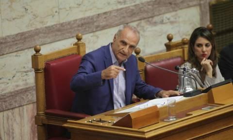 Ένταση στη Βουλή και επεισόδιο Βαρεμένου-Κασιδιάρη