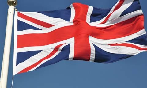 Οι περισσότεροι Βρετανοί τάσσονται υπέρ της παραμονής της χώρας στην ΕΕ