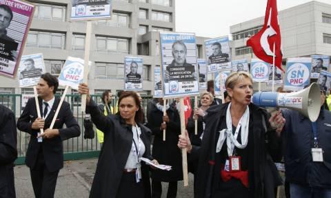 Δικαστική έρευνα για τα βίαια επεισόδια έξω από την έδρα της Air France