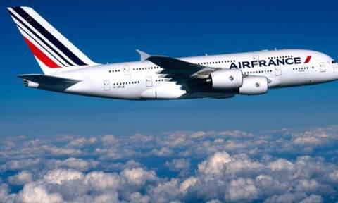 Επιπλέον 5.000 απολύσεις φέρεται να σχεδιάζει η Air France
