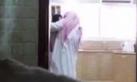 Η σύζυγος τον έπιασε να την απατά, αλλά είναι αυτή που θα πάει φυλακή (video)
