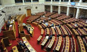 Προγραμματικές δηλώσεις: Η μάχη των πολιτικών αρχηγών στη Βουλή