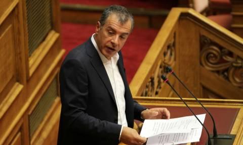 Θεοδωράκης προς κυβέρνηση: Στα λίγα καλά θα λέμε «ναι», στα πολλά στραβά θα είμαστε απέναντι (vid)
