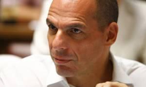 Βαρουφάκης για Τσίπρα: Μου είπε πως ήρθε η ώρα να παραδοθούμε
