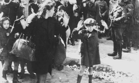 Η Αθήνα γιορτάζει την απελευθέρωση από τους Γερμανούς