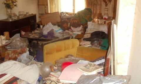 Πέντε τόνους σκουπίδια «έκρυβε» διαμέρισμα στη Θεσσαλονίκη (photos)