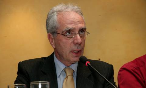 Επαφές Λουράντου σε Αθήνα και Βρυξέλλες για το ιδιοκτησιακό των φαρμακείων