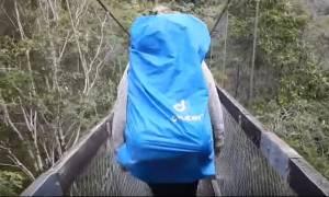 Τρομακτικό ατύχημα από γέφυρα: Περιπατητές πέφτουν από ύψος 8 μέτρων (video)