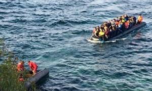 Καταγγελία: Επίθεση κουκουλοφόρων σε σκάφος με μετανάστες στη Λέσβο