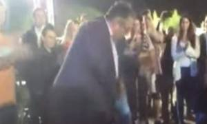 Το βαρύ ζεϊμπέκικο του Κουτσούμπα στο φεστιβάλ της ΚΝΕ (video)